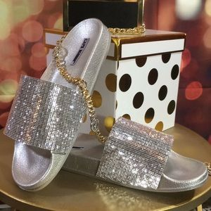 Shoes - 🌟NEW IN BOX Bling Sparkle slides in Silver. Sz 9